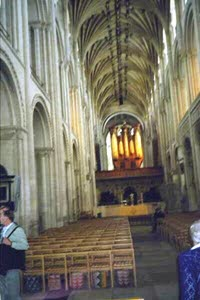 [Norwich Cathedral-inside view)